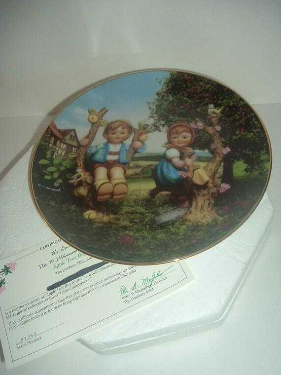 Danbury Mint Hummel Apple Tree Boy & Girl Little Companions Plate w Foam Box COA 1989
