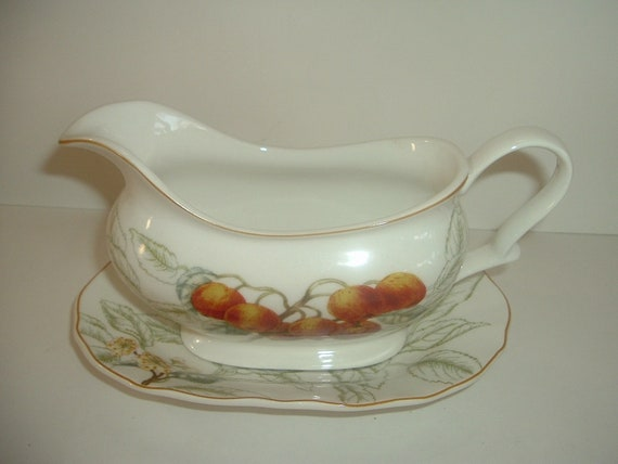 Charter Club Summer Grove Sauce or Gravy Boat and Underplate 1997