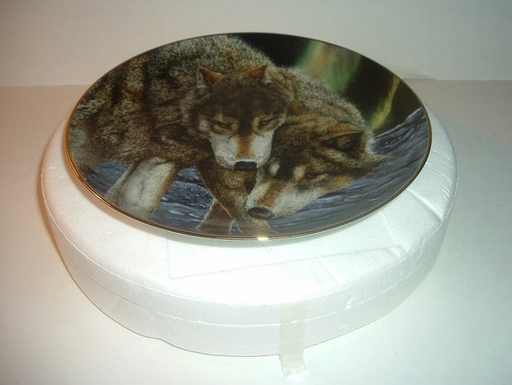 Wolf Plate Northern Harmony Eternal Unity Eric Renk Danbury Mint