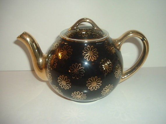 Hall Black Gold Daisy Decorated Teapot Vintage