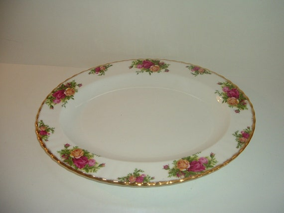 Old Country Roses Royal Albert 13 5/8 Inch Oval Platter