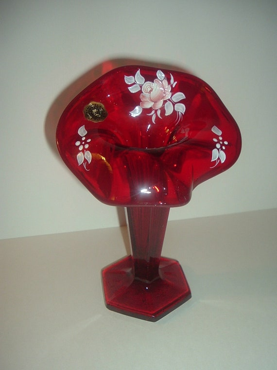 Westmoreland Handpainted Artist Signed Ruby Jack In Pulpit Vase L Plues 1982