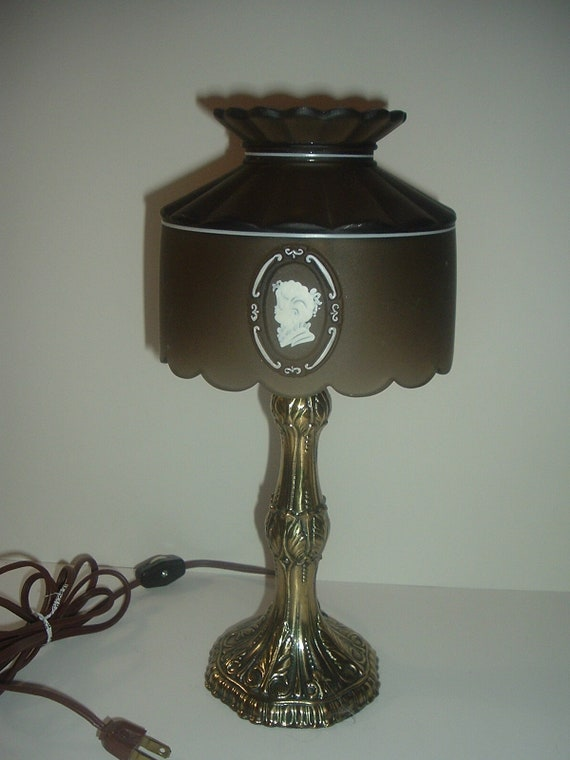 Westmoreland Glass Cameo Handpainted Artist Signed Electric Lamp Vintage