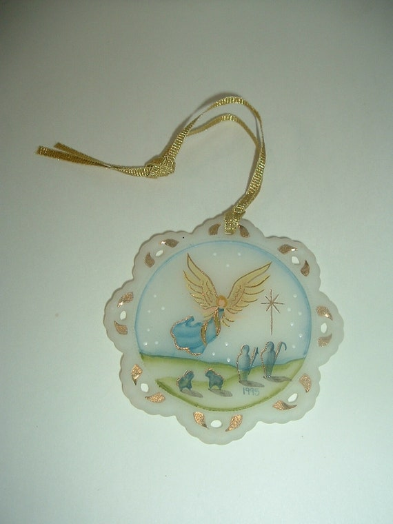 Fenton Glass Hand Painted Artist Signed 1995 Angel Shepherds Ornament