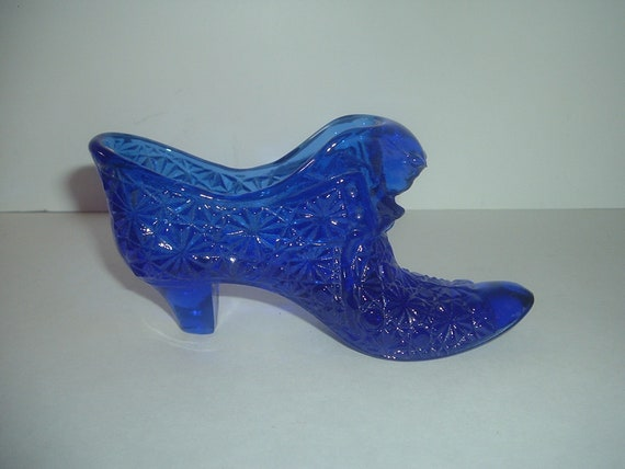 Fenton Glass Cobalt Blue Daisy Pattern Cat Shoe