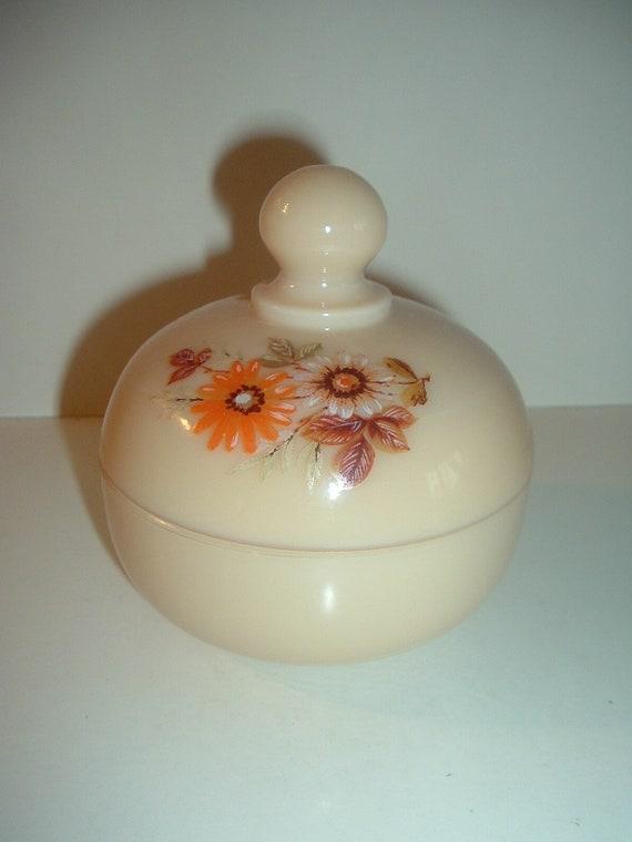 Westmoreland Almond with Daisy Decal Lidded Puff or Dresser Box / Jar