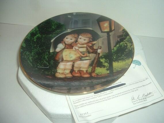 Danbury Mint Hummel Stormy Weather Umbrella Boy & Girl Little Companions Plate w Foam Box COA 1989