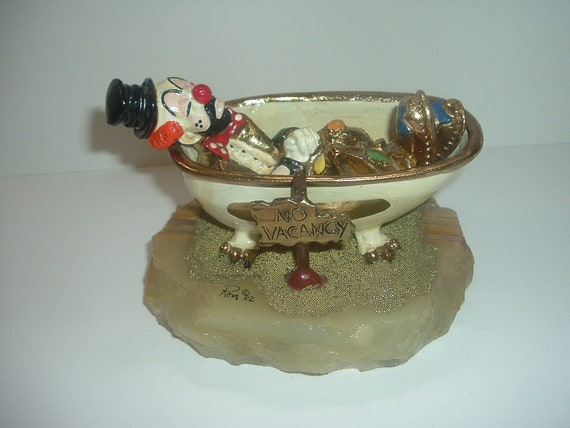 Ron Lee Hobo Clown in Tub 1982 Signed Figurine