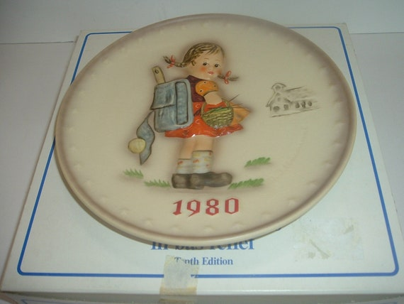 1980 Hummel Annual Plate School Girl with Backpack in Box