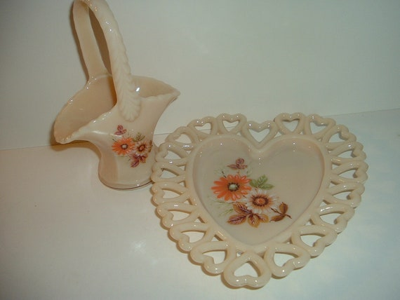Westmoreland Daisy Decorated Almond Basket and Heart Dish
