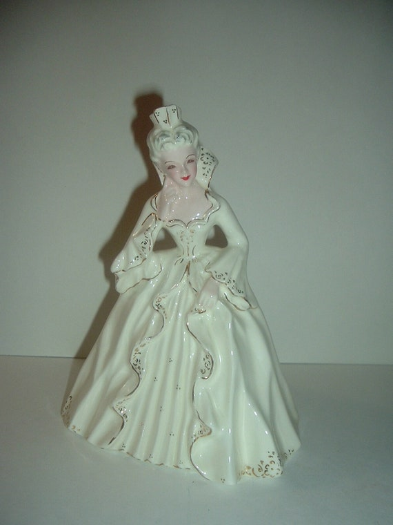 Florence Ceramics Her Majesty in White Gown Lady Figurine