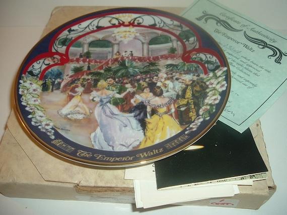 Emperor Waltz 1st Edition Waltzes Johann Strauss Plate w/ Box and COA