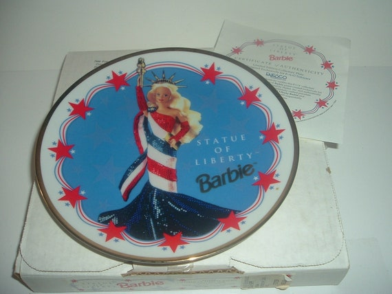 Barbie Enesco FAO Schwarz Statue of Liberty Plate with Box COA
