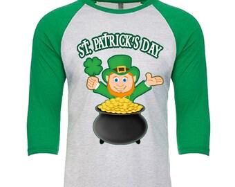 St. Patrick's Day - Leprechaun Shamrock Pot of Gold - Unisex Tri-Blend 3/4 Sleeve Raglan Baseball T-Shirt - Sizes XS-3XL in 14 Colors!