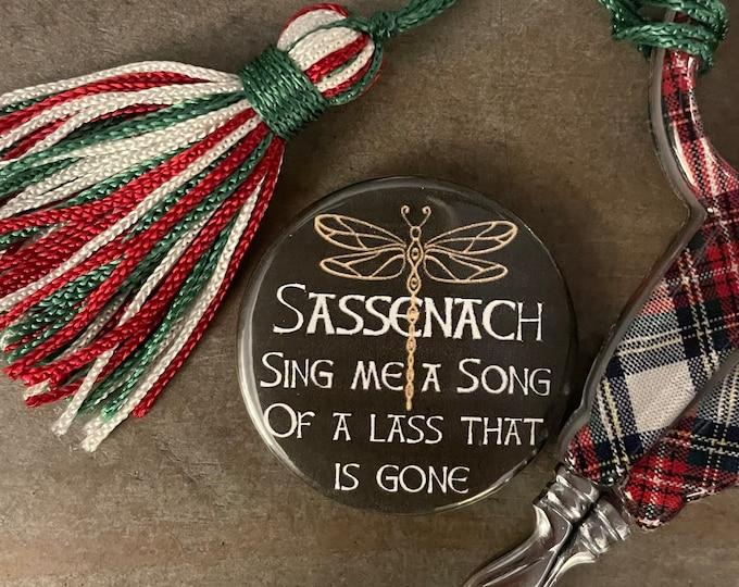 Outlander Sasssenach Sing Me a Song Needle Minder Magnet
