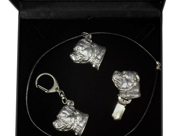 NEW, Staffordshire Bull Terrier, dog keyring, necklace and clipring in casket, DELUXE set, limited edition, ArtDog