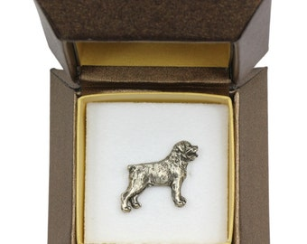 NEW, Rottweiler, dog pin, in casket, limited edition, ArtDog