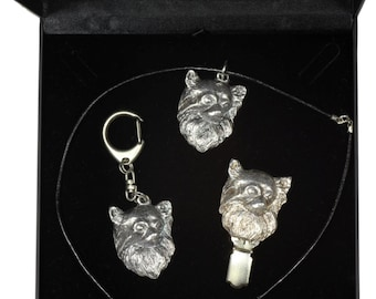 NEW, Chihuahua Longhaired, dog keyring, necklace and clipring in casket, DELUXE set, limited edition, ArtDog . Dog keyring for dog lovers