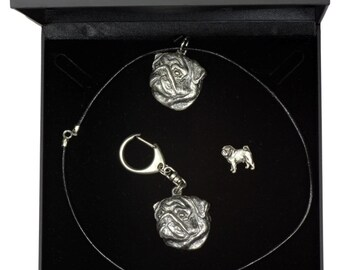 NEW, Pug, dog keyring, necklace and pin in casket, DELUXE set, limited edition, ArtDog . Dog keyring for dog lovers