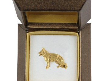 NEW, German Shepherd, dog pin, in casket, gold plated, limited edition, ArtDog