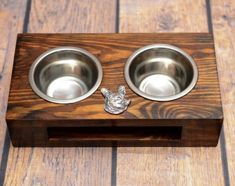 A dog's bowls with a relief from ARTDOG collection - Pembroke Welsh Corgi
