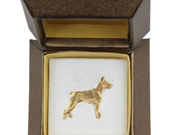 NEW, Dobermann, dog pin, in casket, gold plated, limited edition, ArtDog