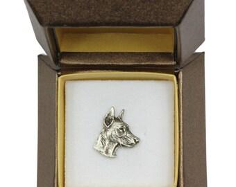 NEW, Dobermann (head), dog pin, in casket, limited edition, ArtDog