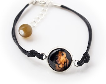Bloodhound. Bracelet for people who love dogs. Photojewelry. Handmade.
