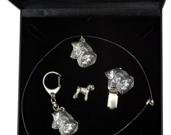 NEW, Schnauzer, dog keyring, necklace, pin and clipring in casket, DELUXE set, limited edition, ArtDog . Dog keyring for dog lovers