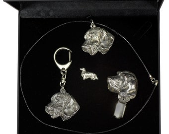 NEW, Teckel Wirehaired, dog keyring, necklace, pin and clipring in casket, DELUXE set, limited edition, ArtDog . Dog keyring for dog lovers
