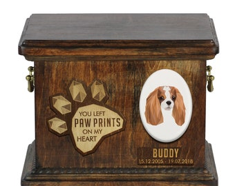 Urn for dog ashes with ceramic plate and sentence - Geometric Cavalier King Charles Spaniel, ART-DOG. Cremation box, Custom urn.