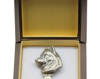 NEW, Siberian Husky, dog clipring, in casket, dog show ring clip/number holder, limited edition, ArtDog