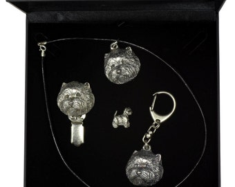 NEW, West Highland White Terrier, dog keyring, necklace, pin and clipring in casket, DELUXE set, limited edition, ArtDog