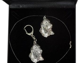 NEW, Basset Hound, dog keyring and necklace in casket, DELUXE set, limited edition, ArtDog . Dog keyring for dog lovers