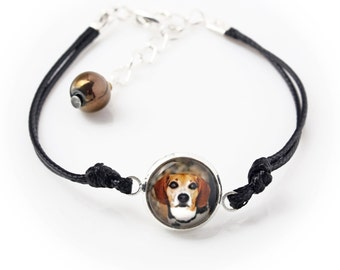Beagle. Bracelet for people who love dogs. Photojewelry. Handmade.