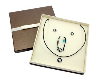Akita Inu. Jewelry with box for people who love dogs. Earrings, a bracelet and necklace. Photojewelry. Handmade.