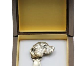NEW, Beagle, dog clipring, in casket, dog show ring clip/number holder, limited edition, ArtDog