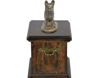 Urn for dog's ashes with a German Shepherd statue, ART-DOG