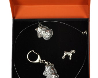 NEW, Schnauzer, dog keyring, necklace and pin in casket, PRESTIGE set, limited edition, ArtDog . Dog keyring for dog lovers