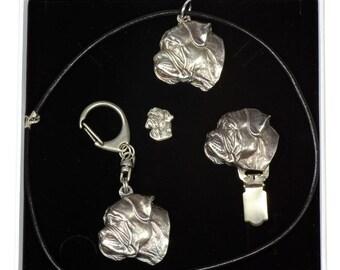 NEW, Bullmastiff, dog keyring, necklace, pin and clipring in casket, ELEGANCE set, limited edition, ArtDog . Dog keyring for dog lovers