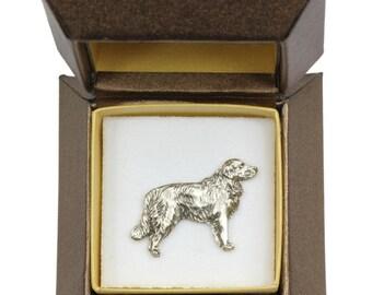 NEW, Golden Retriever (body), dog pin, in casket, limited edition, ArtDog