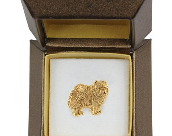 NEW, Chow chow, dog pin, in casket, gold plated, limited edition, ArtDog
