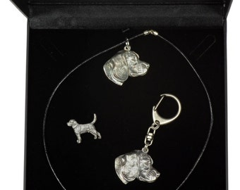 NEW, Beagle, dog keyring, necklace and pin in casket, DELUXE set, limited edition, ArtDog . Dog keyring for dog lovers