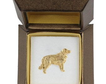NEW, Golden Retriever, dog pin, in casket, gold plated, limited edition, ArtDog