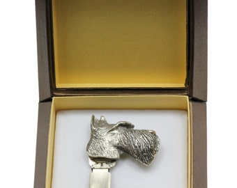 NEW, Scottish Terrier, dog clipring, in casket, dog show ring clip/number holder, limited edition, ArtDog