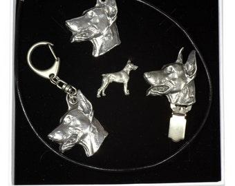 NEW, Dobermann, dog keyring, necklace, pin and clipring in casket, ELEGANCE set, limited edition, ArtDog . Dog keyring for dog lovers