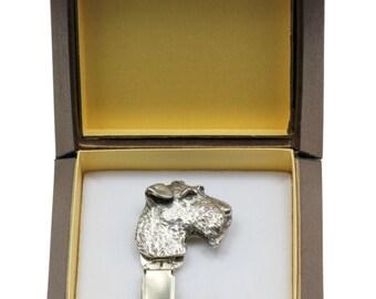 NEW, Airedale Terrier, dog clipring, in casket, dog show ring clip/number holder, limited edition, ArtDog