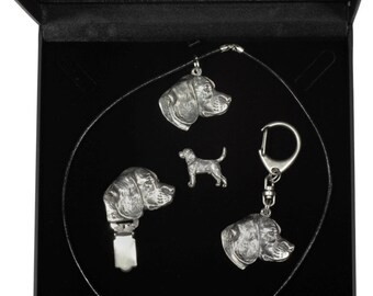 NEW, Beagle, dog keyring, necklace, pin and clipring in casket, DELUXE set, limited edition, ArtDog . Dog keyring for dog lovers