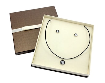 Akita Inu. Jewelry with box for people who love dogs. Earrings and necklace. Photojewelry. Handmade.