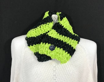 Collar Scarf-Green and Black Super Soft with Vintage Button
